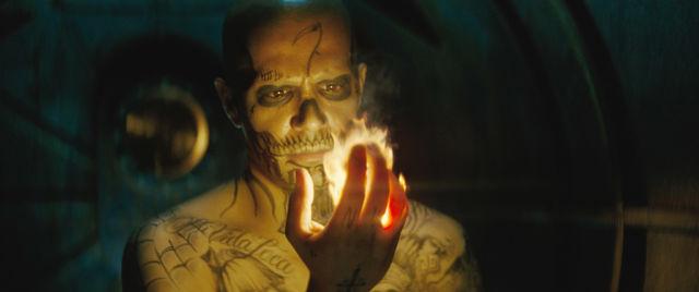 El_Diablo_holds_fire_in_his_hand.jpg